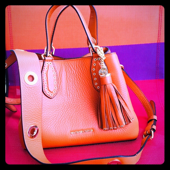 18e4d3399728 Michael Kors Brooklyn Small Leather Bag Tangerine.  M 5b1f4aba9539f785bd5640db